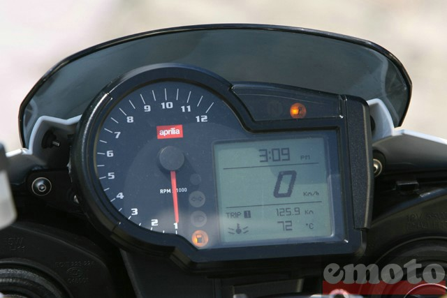 Photo de la Aprilia Tuono 1000 modèle 2008