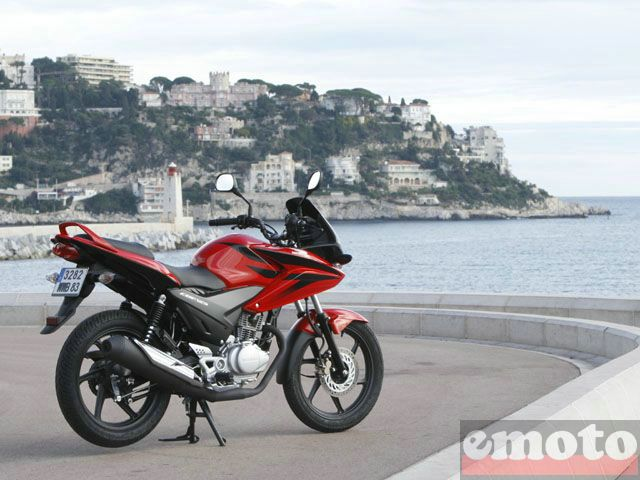 Photo de la Honda CBF125 modèle 2009