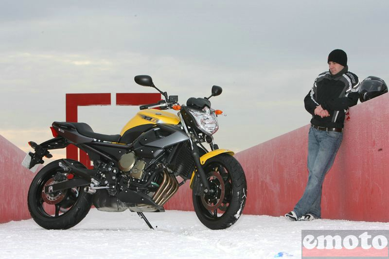 Photo de la Yamaha XJ6 modèle 2009