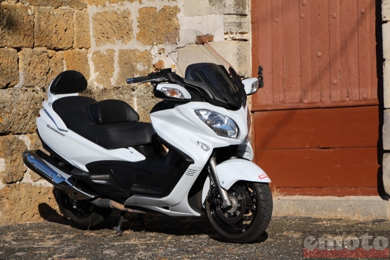 Photo du Suzuki Burgman 650 Executive modèle 2013