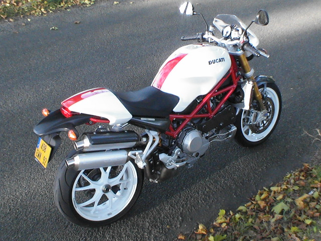 Photo de la Ducati S4Rs modèle 2006