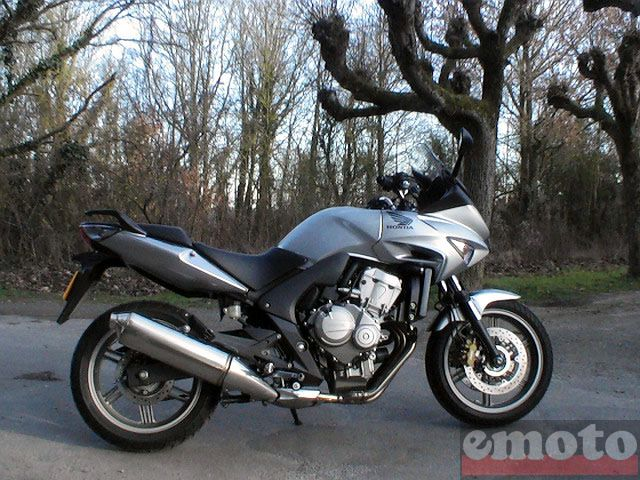 Photo de la Honda CBF600S modèle 2008