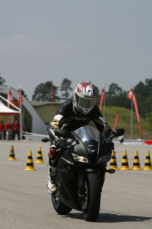 cbr abs honda cbr600rr action