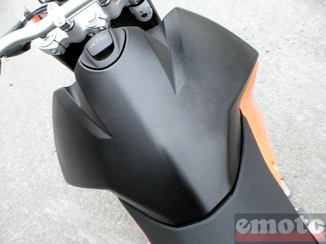 Photo de la KTM 990SM modèle 2008