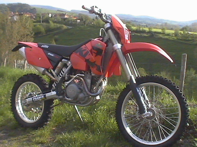 Photo de la KTM EXC 250 Racing modèle 2004