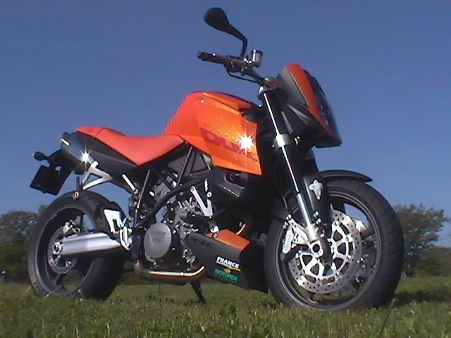 Photo de la KTM Super Duke 990 modèle 2005