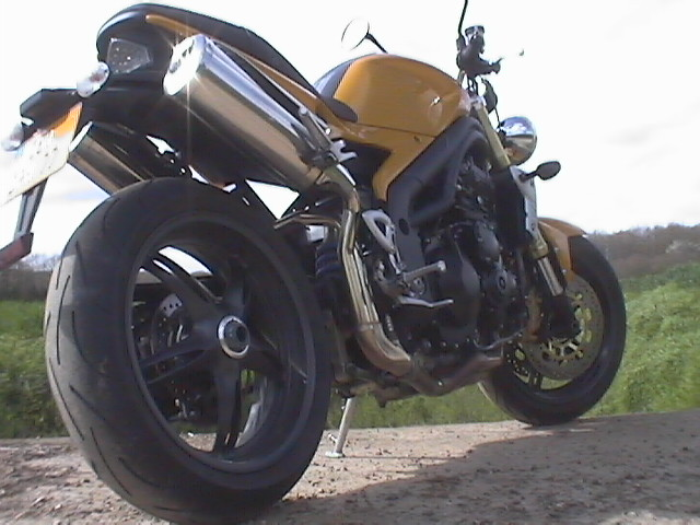 Photo de la Triumph Speed Triple 1050 modèle 2005