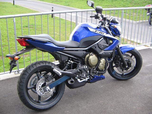 Mobilier Chambre Bebe Fille : Les 2 Roues ajoute de la couleur sur la Yamaha XJ6