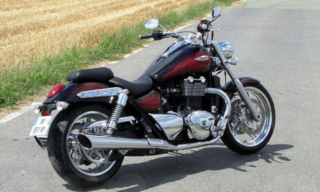 triumph thunderbird 1700 phantom red haze