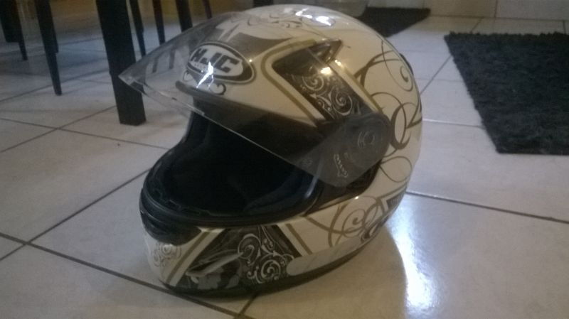 Casque HJC taille L 59/60 1/2