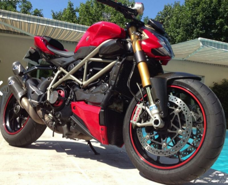 Vends Ducati Streetfighter S 1098 full carbone 3/3