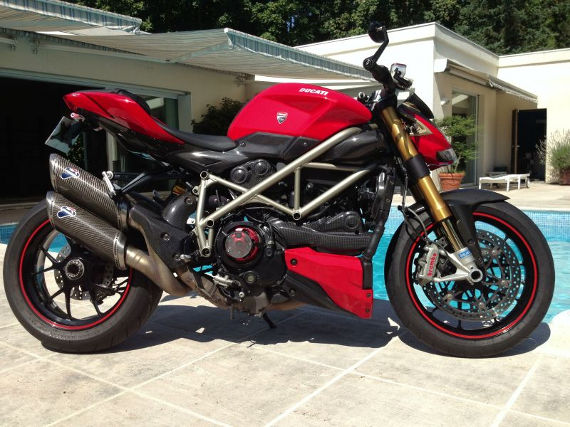 Vends Ducati Streetfighter S 1098 full carbone 1/3