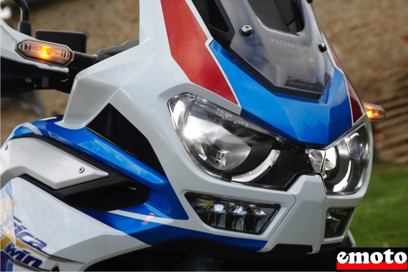 eclairage en courbe que sur l africa twin 1100 adventure sports