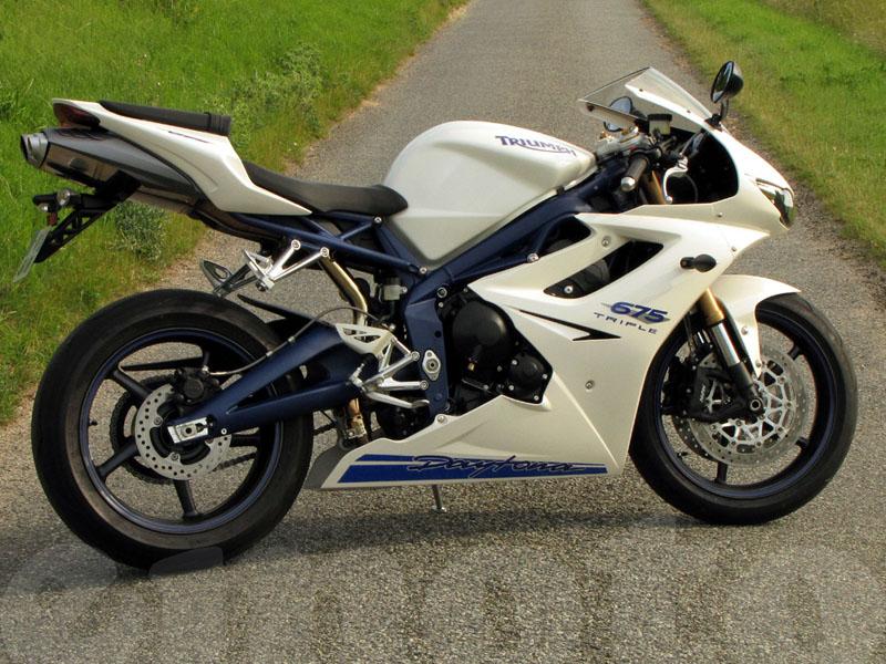 Essai Triumph Daytona 675 2009 Emoto