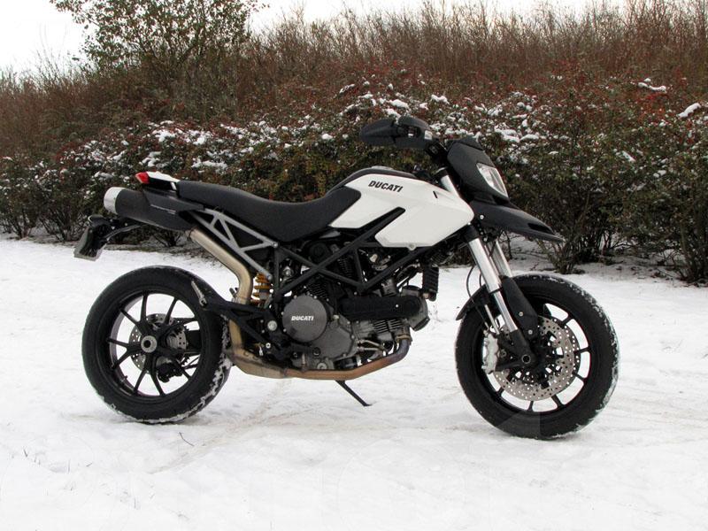 Essai Ducati Hypermotard 796 2010 par Jean-Michel Lainé
