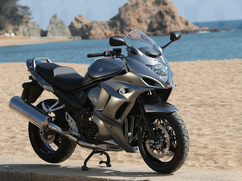 Essai Suzuki GSX 1250 FA 2010 par Jean-Michel Lainé
