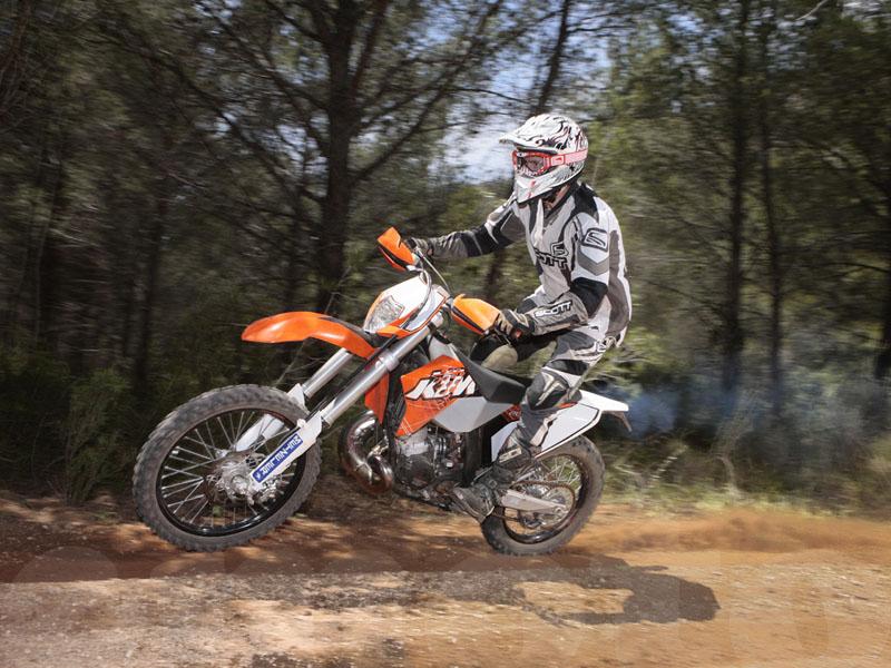 Essai KTM EXC 200 modèle 2011 par Jean-Michel Lainé