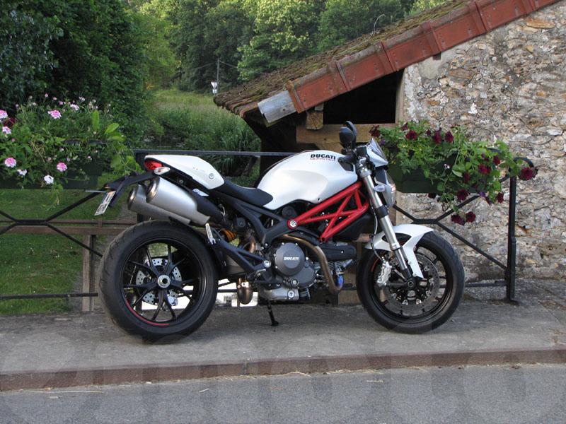 Essai Ducati Monster 796 2010 par Jean-Michel Lainé