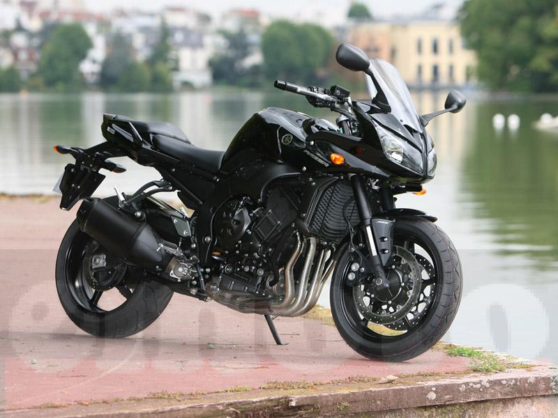 Essai Yamaha FZ1 Fazer modèle 2010 par Julien Metrop