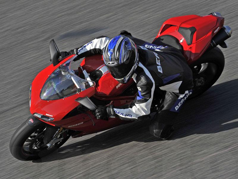 Essai Ducati 1198 SP 2011 par Julien Métrop