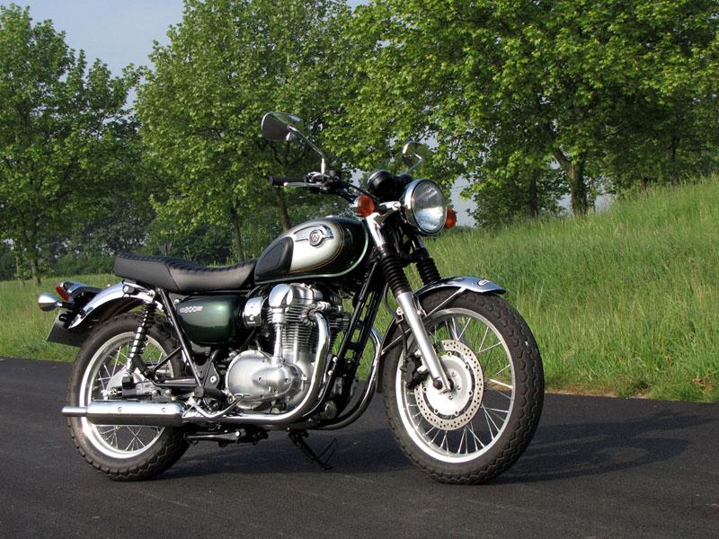 Essai Kawasaki W800 2011 Emoto