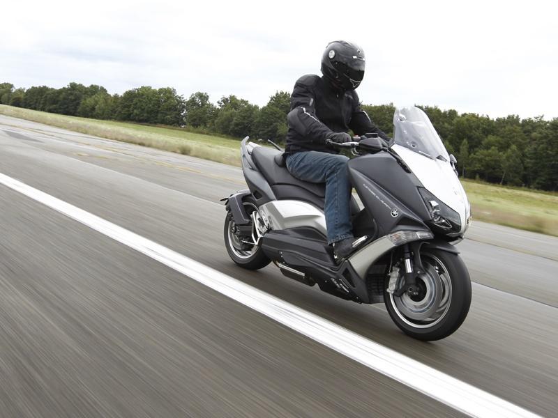 Essai Yamaha T-Max 530 Lazareth Hyper Modified 2012 par Jean-Michel Lainé