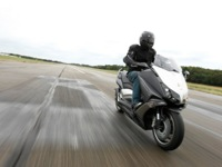 Photo 3 Essai Yamaha T-Max 530 Lazareth Hyper Modified 2012
