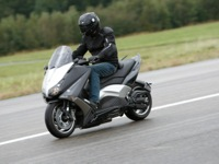 Photo 4 Essai Yamaha T-Max 530 Lazareth Hyper Modified 2012