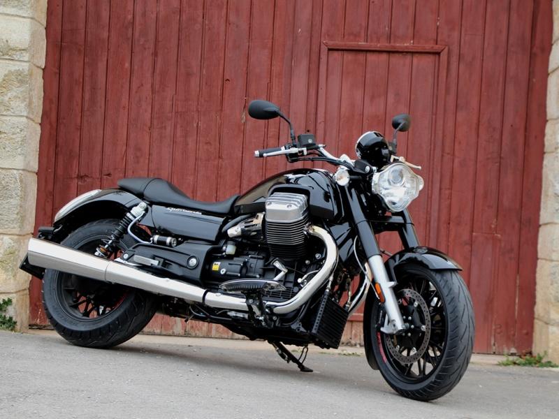 Essai Moto-Guzzi California 1400 Custom 2013 par Jean-Michel Lainé