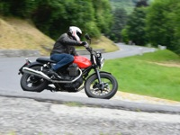 Photo 2 Essai Moto-Guzzi V7 Stone 2014