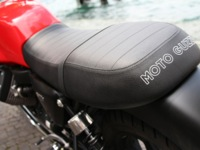 Photo 10 Essai Moto-Guzzi V7 Stone 2014
