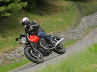 Photo 16 Essai Moto-Guzzi V7 Stone 2014