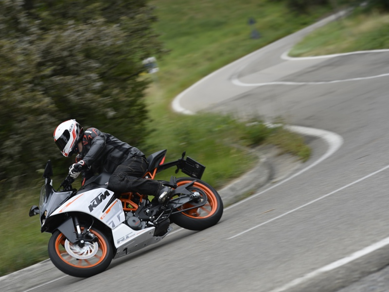 Essai KTM RC 390 modèle 2015 par Jean-Michel Lainé