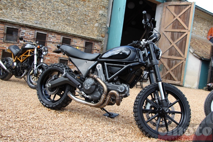 ducati scrambler all black