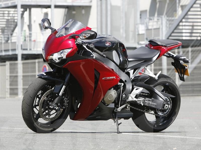 Essai Honda CBR1000RR modèle 2008 par Guillaume Mongin – photos Mecamix