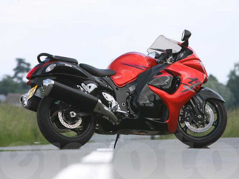 Essai Suzuki GSXR 1300 Hayabusa 2008 par Julien Van Kiem