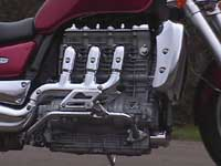 Photo 10 Essai Triumph Rocket III 2005