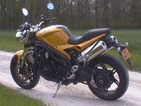 Photo 15 Essai Triumph Speed Triple 1050 2005