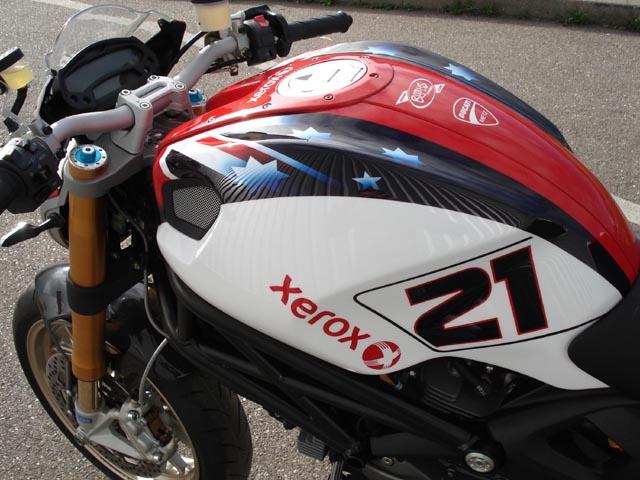 Ducati Metz Presente Sa Monster 1100 Troy Bayliss Emoto
