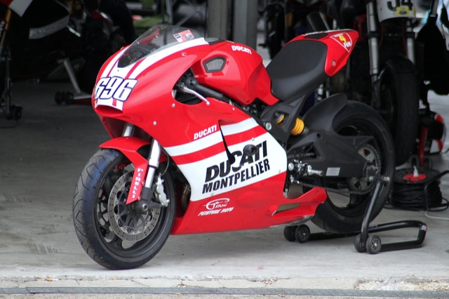 ducati store montpellier 696 project