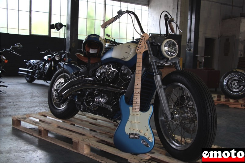 Indian Scout Tankaster par Tank Machine, indian scout tankaster par tank machine avec la fender american performer stratocaster