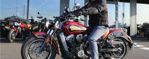 Philippe et son Indian Scout chez Indian Lille